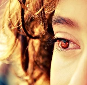 http://mariouascorner.files.wordpress.com/2011/08/brown_eyes__brown_hair_by_hopeless_muse.jpg?w=300&h=292